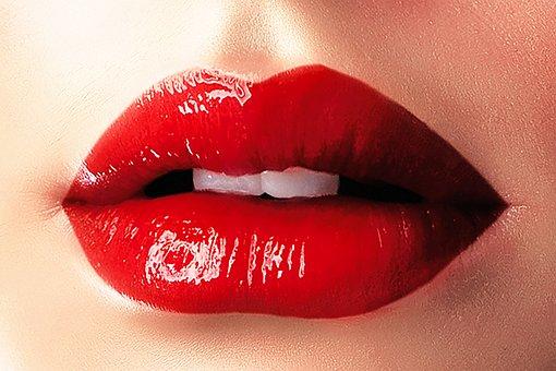 lips-1991471__340